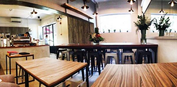 quan-cafe-chat-singapore-14-ivivu