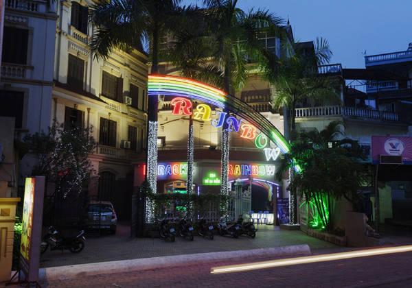 Hát karaoke ở Sài Gòn