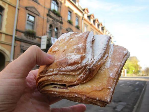 Bánh kẹp táo ở Đức