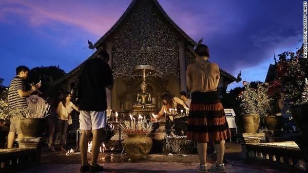 Chùa Wat Chedi Luang, ngoại ô thành phố Chiang Mai