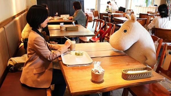 Quán cà phê Moomin House ở Tokyo   Quán cafe độc đáo giúp khách hàng không còn cô đơn tại Nhật quan ca phe chong co don o nhat ban 1 ivivu