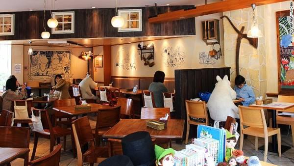 """Mô hình """"chống cô đơn"""" này đã được nhân rộng ở Tokyo  Quán cafe độc đáo giúp khách hàng không còn cô đơn tại Nhật quan ca phe chong co don o nhat ban 4 ivivu"""