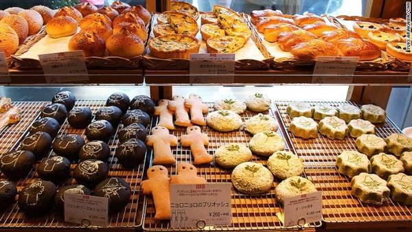 Thực khách khi đến các quán cà phê này còn được thưởng thức bánh mỳ làm từ lúa mạch đen của Phần Lan  Quán cafe độc đáo giúp khách hàng không còn cô đơn tại Nhật quan ca phe chong co don o nhat ban 8 ivivu