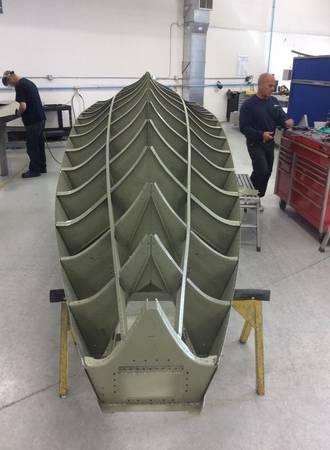 Cận cảnh chiếc phao sẽ được lắp cho thủy phi cơ