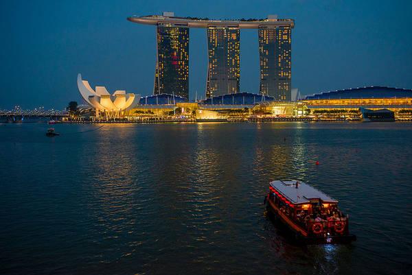 Marina Bay Sands là điểm đến đắt đỏ khi du lịch Singapore