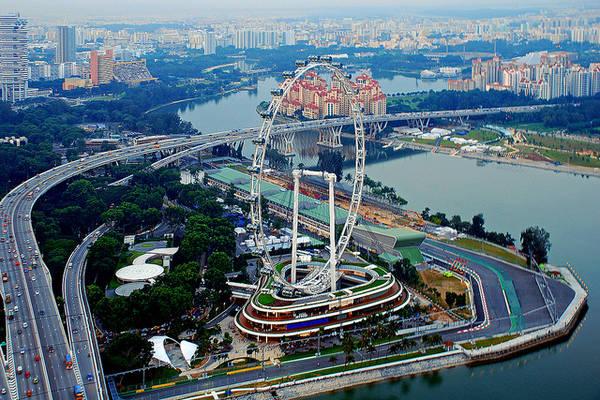 Từ đỉnh Singapore Flyer, bạn sẽ bị choáng ngợp bởi khung cảnh tuyệt đẹp của quốc đảo sư tử.