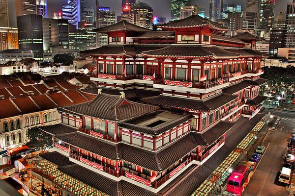 Đây là nơi thường xuyên diễn ra các triển lãm nghệ thuật tôn giáo của Singapore