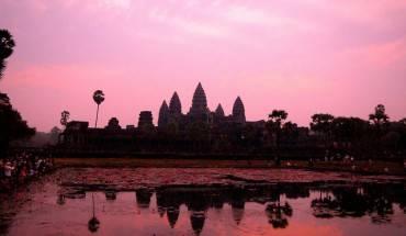 Vẻ đẹp ấn tượng của Angkor Wat vào lúc bình minh.