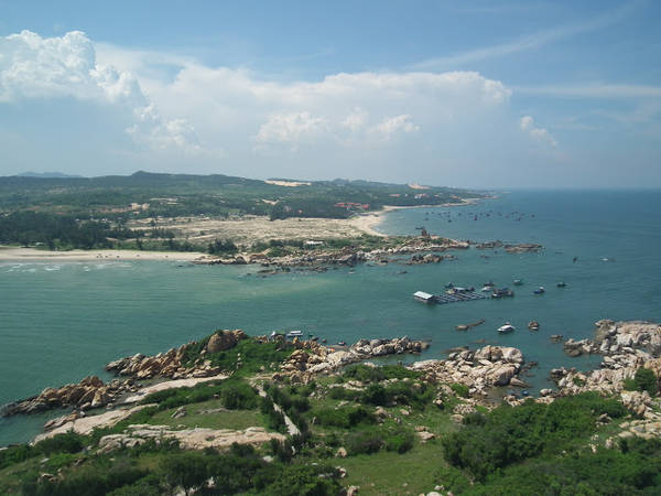 du lịch Phan Thiết - Cảnh tượng bạn sẽ được nhìn thấy từ trên ngọn hải đăng.