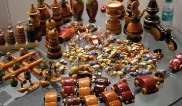 Muốn thỏa thích lựa chọn những món đồ thủ công đặc sắc, hãy đến An Đông Plaza ở quận 5.