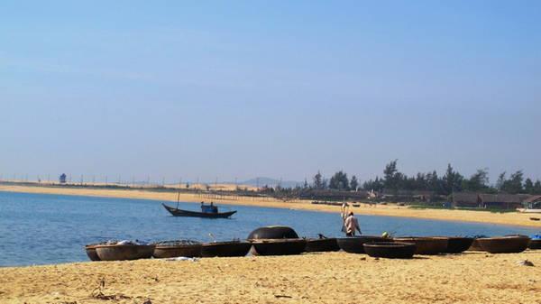 Lặng yên một góc bãi Rạng trưa nắng - Ảnh: Hương Cát