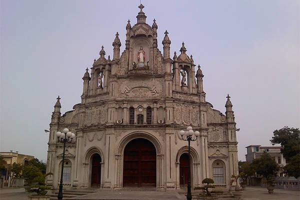 Nhà thờ giáo xứ Quần Liêu