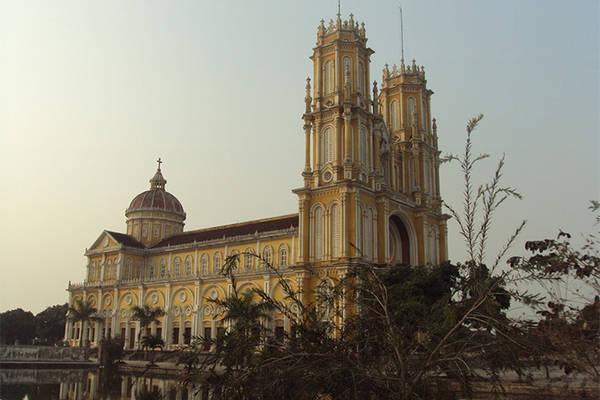 Nhà thờ giáo xứ Trang Hậu