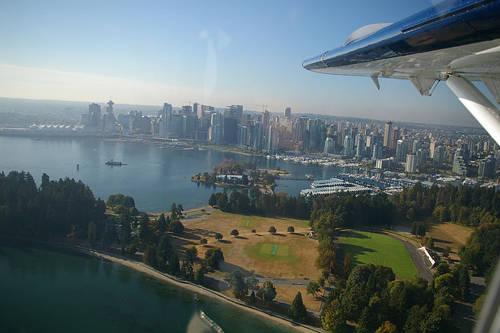 Công viên Stanley nhìn từ thủy phi cơ.