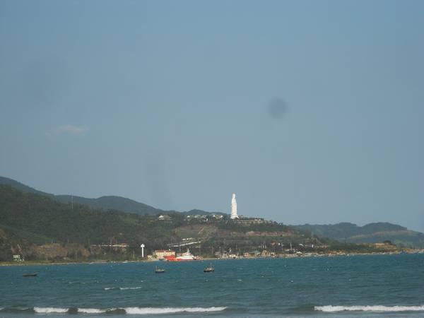 Đi dạo dọc bờ biển Đà Nẵng