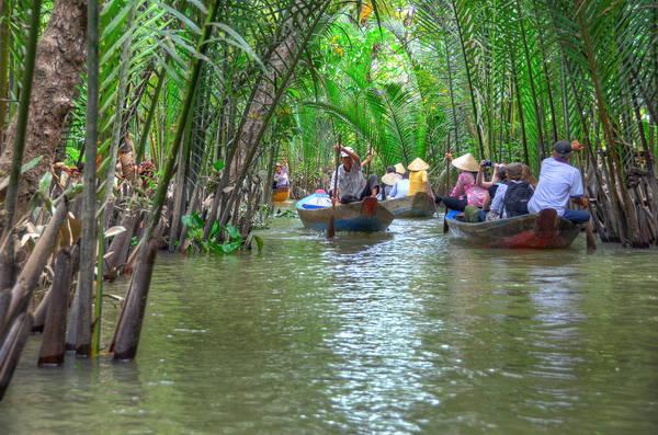 Nơi bạn sẽ được thả hồn mình trên những chiếc thuyền nhỏ, đi ngang qua những rặng dừa nước.
