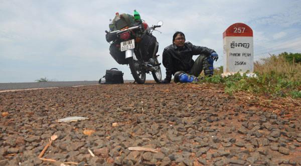 Nghỉ chân dọc đường đến Phnom Penh - Cam pu chia