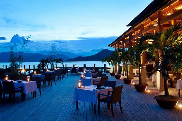 nhung-resort-o-viet-nam-co-view-dep-me-hon-12-ivivu