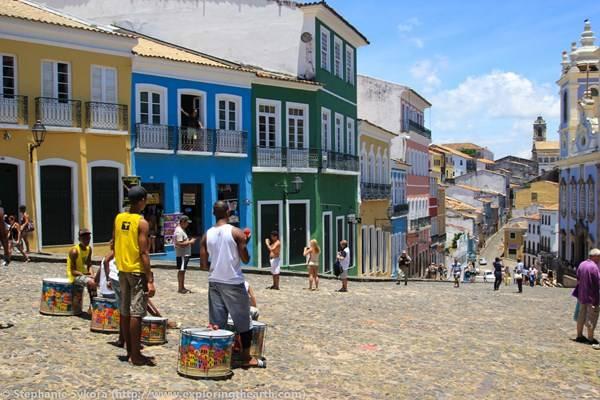 Một góc phố náo nhiệt tại thành phố Salvador