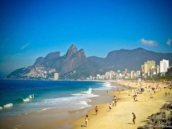 Bãi biển đẹp mê hồn của thành phố Salvador