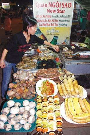 Góp mặt tại chợ đêm Phú Quốc.
