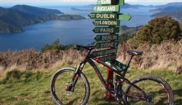 8. Những con đường mòn khi bạn đạp xe trên núi, sẽ dẫn bạn đến những nơi tuyệt vời như thế này. (Ảnh planitnz)