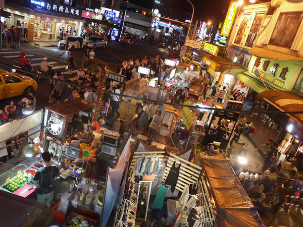 Du lịch Đài Bắc - Chợ đêm hoạt động sôi nổi kéo dài cả 10 dãy phố, và bạn chắc chắn không thể bỏ lỡ hoạt động thú vị này.