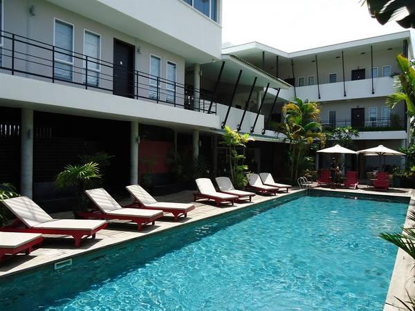 Khách sạn MEN's Resort & Spa