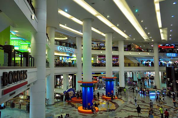 Du lich Kuala Lumpur - Trung tâm mua sắm Berjaya Times Square