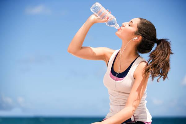 Bạn đừng quên bổ sung nước cho cơ thể