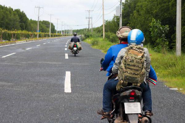 Du lich Sai Gon - Đường di chuyển xuống Cần Giờ khá vắng vẻ, nên cảnh sát giao thông  thường xuyên tổ chức bắn tốc độ.
