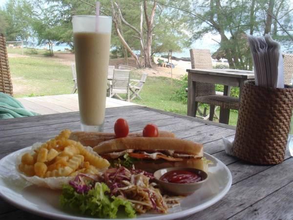 Du lich Phu Quoc - Nơi bạn sẽ được thưởng thức những món ăn ngon trong khung cảnh  tuyệt đẹp.