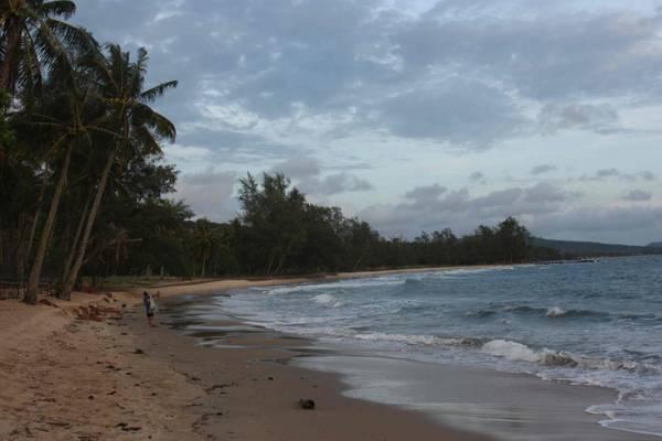 Du lich Phu Quoc - Bãi biển của khu nghỉ dưỡng yên tĩnh vào ban ngày...