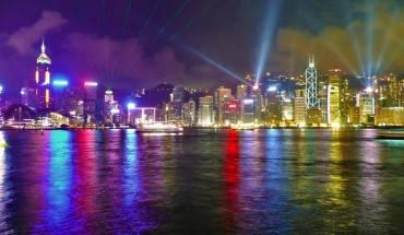Hồng Kông rực rỡ vào ban đêm