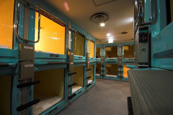 """Du lich Tokyo - Những căn phòng """"con nhộng"""" thế này là điều dễ dàng tìm thấy ở Tokyo."""