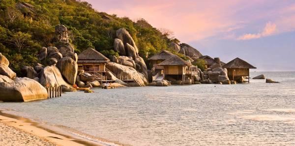 Du lich Nha Trang - Khung cảnh hoang sơ êm đềm của Vịnh Ninh Vân.