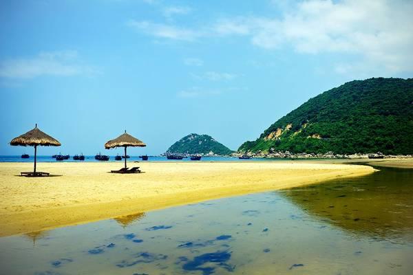 Du lich Nha Trang - Giây phút thanh bình và yên ả bãi biển Đại Lãnh.