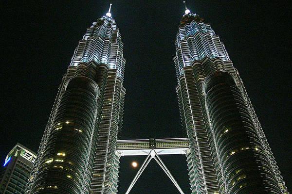Du lich Kuala Lumpur - Tháp đôi Petronas