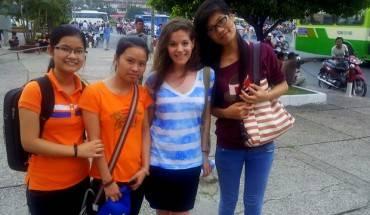 Những cô gái yêu cầu chụp ảnh với tôi khi tôi đang lang thang trong công viên - điều không bao giờ xảy ra ở Thái Lan!