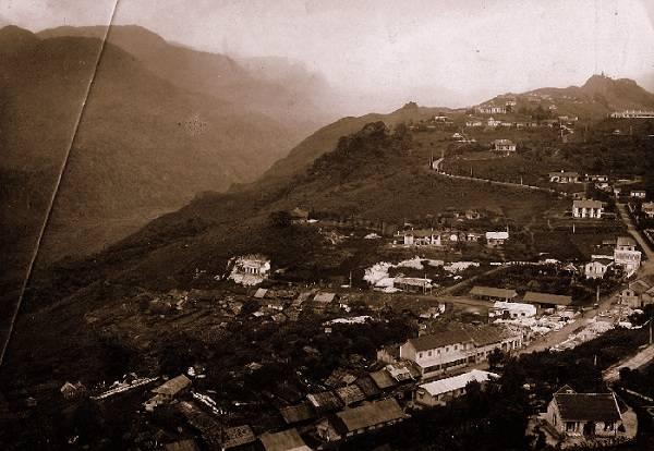 Du lich Sapa - Toàn cảnh Sa Pa thập niên 1900 nhìn từ trên cao.