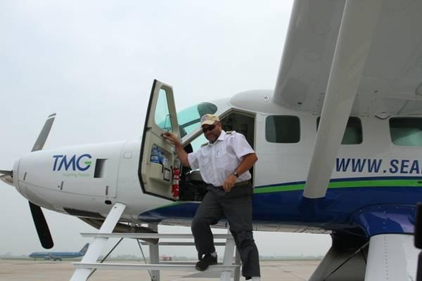 Frank Celestin và James Murphy đã thực hiện hành trình từ Mỹ về Hà Nội.