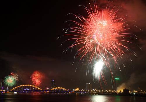 Bắn pháo hoa mừng Quốc Khánh tại cầu Rồng Đà Nẵng