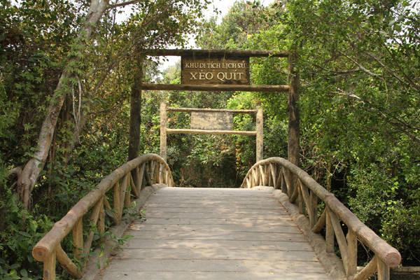 Khu căn cứ Xẻo Quýt là điểm tham quan nổi tiếng của du khách khi đến Đồng Tháp.