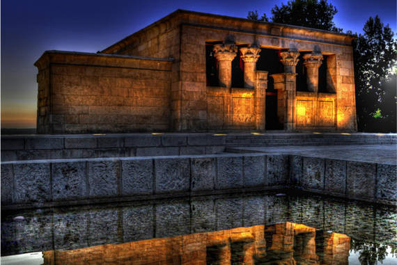 Có đền thờ Debod, Ai Cập.