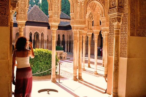 Cung điện Moorish.