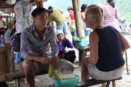 Du lịch Việt Nam - Vẻ đẹp từ nụ cười của người Việt Nam