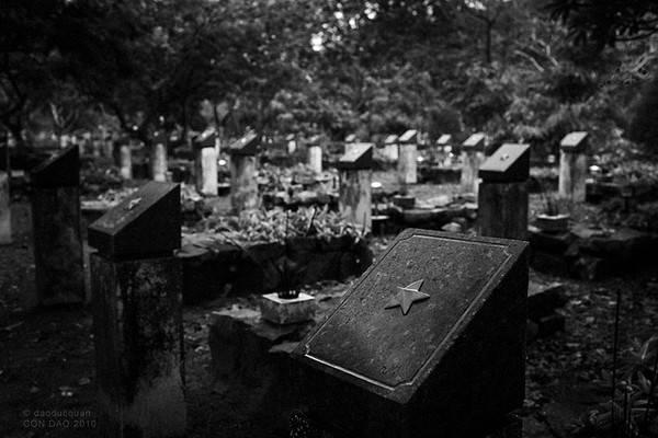 Du lịch Côn Đảo - Thăm mộ chị Sáu ở Côn Đảo lúc 0h