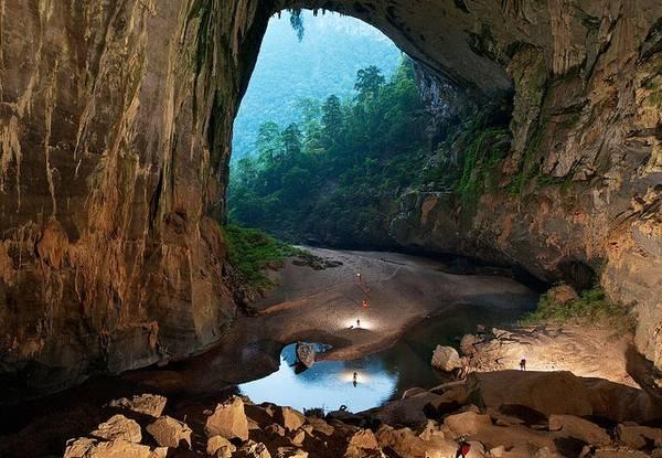 Du lịch Quảng Bình thám hiểm hang Sơn Đoòng