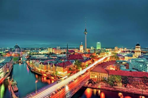 du lịch châu Âu - Thành phố Berlin có rất nhiều phòng triển lãm và viện bảo tàng để Bảo Bình khám phá.