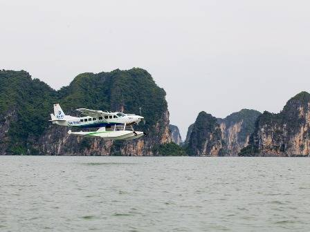 Khai trương dịch vụ thủy phi cơ đầu tiên ở Việt Nam